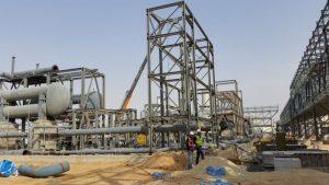 בניין החשמל מכיל מערכות חשמל ובקרה להפעלת התחנה